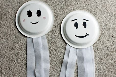 Paper Plate Ghost Craft - paper plate ghosts 7 craft ideas for