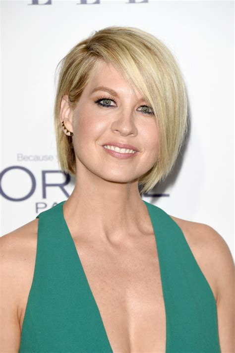 does jenna elfmans hair look better long or short jenna elfman bob short hairstyles lookbook stylebistro