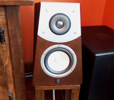 sold yamaha soavo speakers  center
