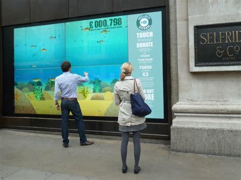 digital window vetrina interattiva interactive windowgesto biz