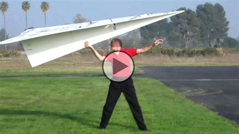 How To Make A Remote Paper Plane - world s largest rc paper plane 140 inches with