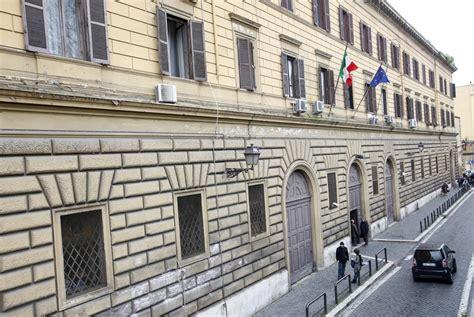 Casa Circondariale Coeli by Due Detenuti Evasi Dal Carcere Coeli Si Sono