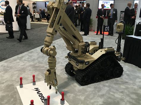 Kr01030 Unmanned Ground Vehicle Ugv Robot Car Chassis harris unveils intuitive t7 explosive ordnance disposal robot