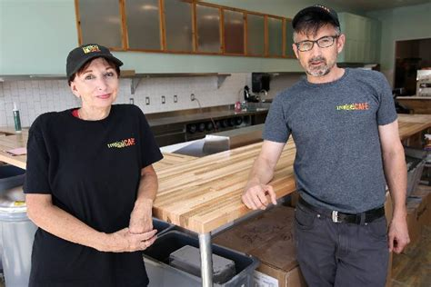 tropical smoothie cafe     restaurants opening