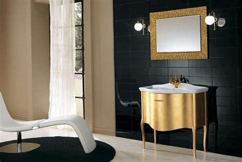 specchi con cornice dorata specchiere bagno foto 9 41 design mag