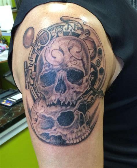 tattoo pinterest skull stacked skulls tattoo tattoos pinterest tattoo