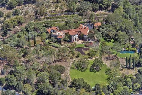 jeff bridges home the dude downsizes jeff bridges lists his montecito