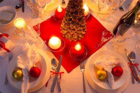 apparecchiatura tavola natalizia colori e atmosfere per la tavola di natale donnad