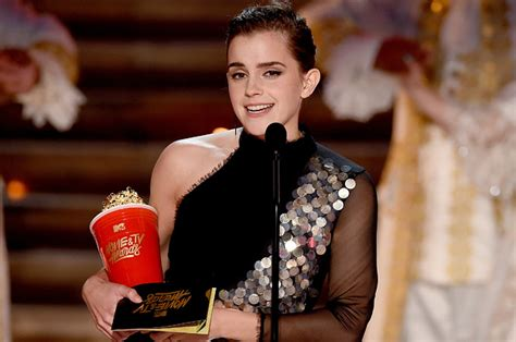 emma watson quizzes buzzfeed emma watson receives mtv s first gender neutral acting