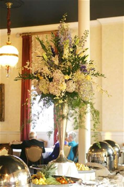 Buffet Table Setting Arrangement Buffet Table Flower Arrangement Table Flower Ideas