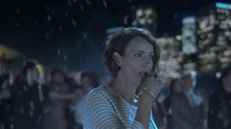 centrum commercial actress centrum vitamints tv commercial familiar becomes new