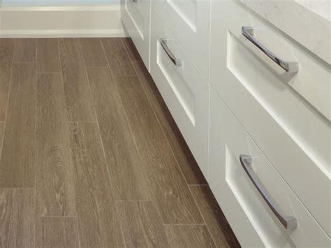 18  Laminate Flooring Bathroom Designs, Ideas   Design