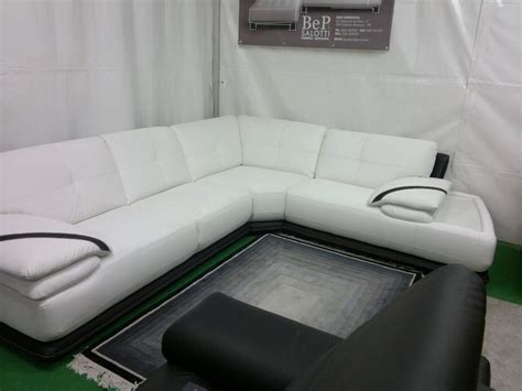 un divano a new york divano modello new york angolare in pelle poltrone e