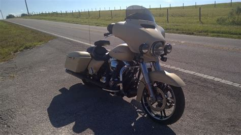 2015 street glide auxiliary lights pictures of street glide with passing lights or fog lights