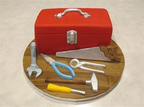 Tool Box Cake   CakeCentral.com