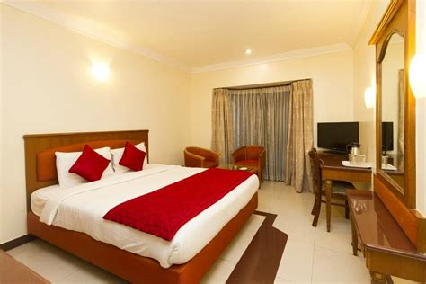 s room oyo rooms majestic prices hotel reviews bengaluru india tripadvisor