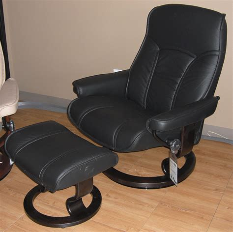 Gouverneur Ottoman by Ekornes Stressless Governor And Senator Recliner Chair