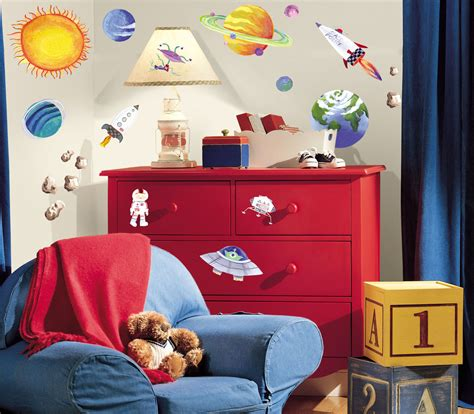 space themed rooms decorating planets and spaceships