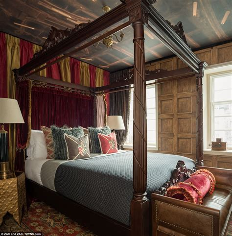 gryffindor themed bedroom harry potter themed rental in edinburgh daily mail online