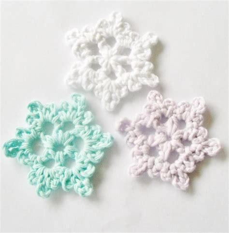 snowflake pattern how to easy crochet snowflake craftsy
