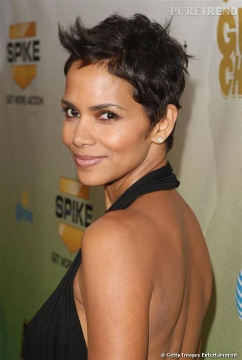 short weave hairstyles for rihanna and haille berry la sublime halle berry d 233 voile tout son charisme les