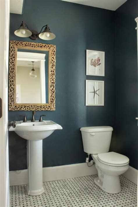 Paint Color Ideas For Small Bathrooms by 17 Best Ideas About Small Bathroom Paint On