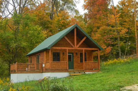cabin getaways 12 cozy cabin getaways in ohio to rent this fall