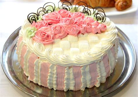 Cynthia Vallejo Also Search For Pink White Basket Weave Cake Cake Decorating
