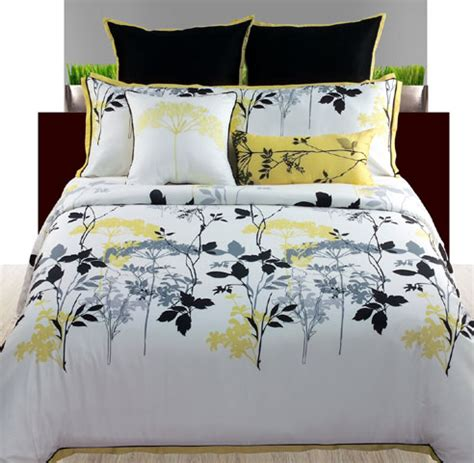 yellow and white bedding black white and yellow bedding bedroom ideas pictures
