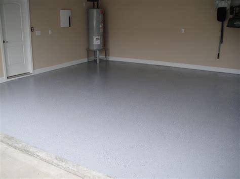 gray epoxy garage floor  fresh coat  rust oleum epoxy