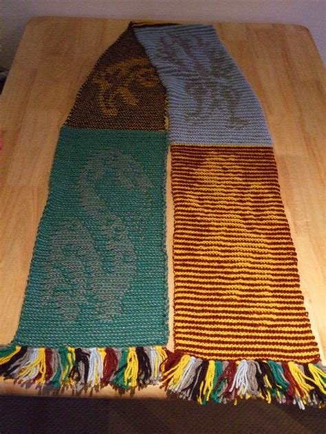 harry potter scarves knitting patterns knitted harry potter house illusion scarf pdf pattern
