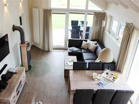 wohnzimmer mit essbereich ferienhaus koralle luxus wellnesshaus l 252 becker bucht