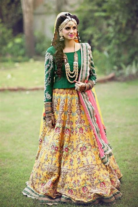 latest outfits new mehndi dresses 2017 for bride by pakistani designers