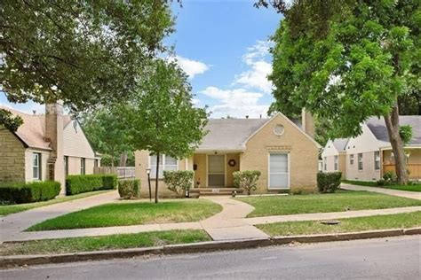 dallas housing dallas housing market sizzles candy s dirt