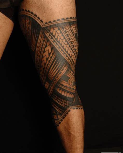 ersch 252 tterndes polynesisches tattoo auf dem bein
