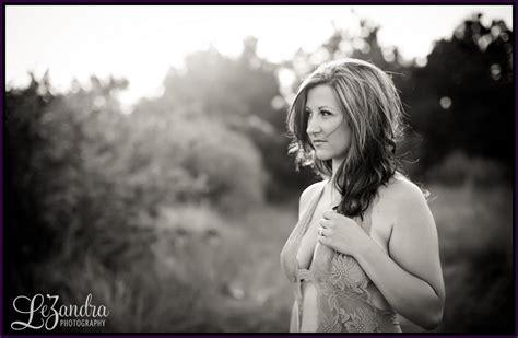 wife boudoir photography jillian virginia beach outdoor boudoir photographer