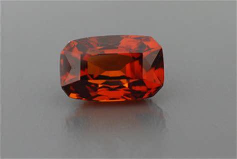 Spessartite Garnet 20 18ct all that glitters gemstone photographs spessartite garnet