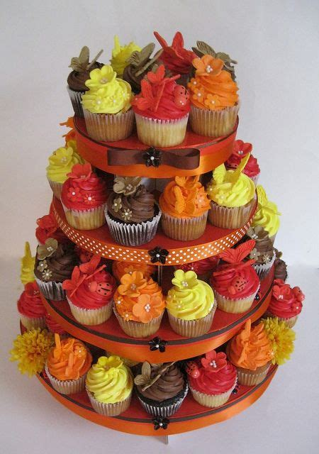 fall decorated cupcakes 25 best ideas about fall wedding cupcakes on