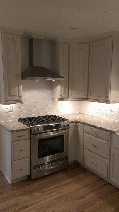 tile under kitchen cabinets 1000 images about homes featuring our cabinets on