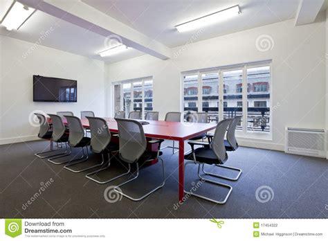 salle de bureau salle de r 233 union moderne de bureau photographie stock