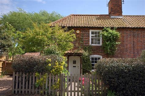 house southwold the hollies southwold self catering house in