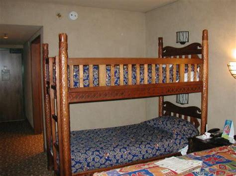 Animal Kingdom Lodge Bunk Beds Sign At Hotel Entry Picture Of Disney S Animal Kingdom Lodge Orlando Tripadvisor