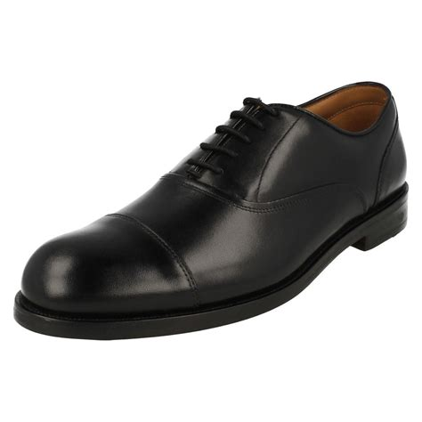 oxford shoes style mens clarks classic leather oxford toe cap style shoes
