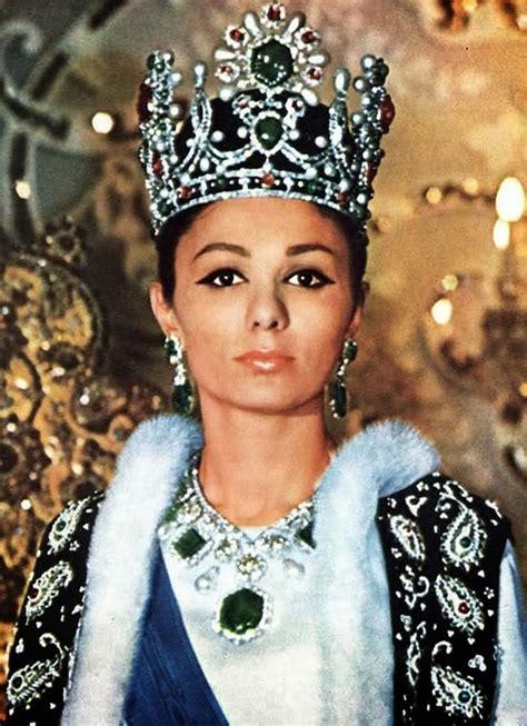 queen farah pahlavi iran 17 beautiful portraits of a young farah pahlavi the last