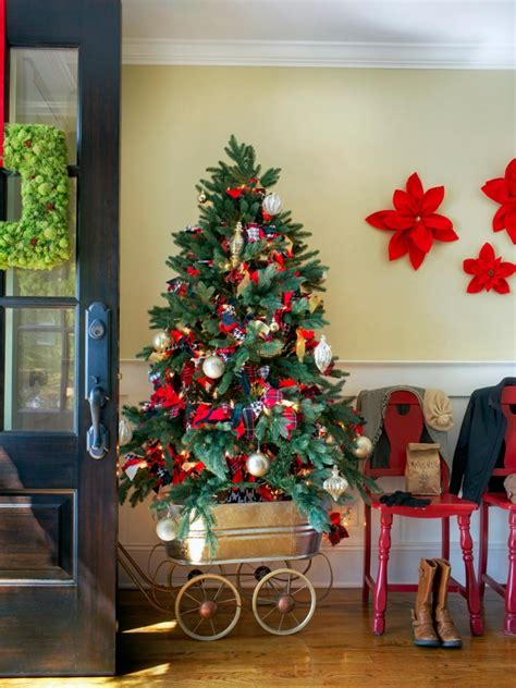 holiday entryway decorating ideas hgtv