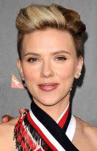 why johansson cut hair how to recreate scarlett johansson s edgy red carpet