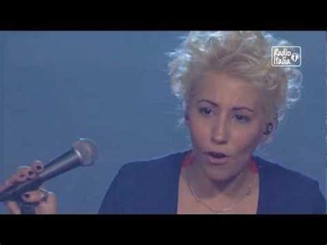 malika ayane controvento testo malika ayane backstage adesso e qui nostalgico pres