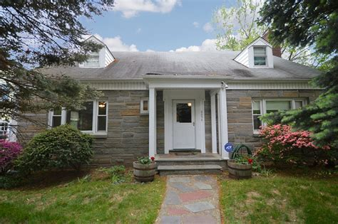 10 Menzel Avenue Floor 2 Maplewood Nj 07040 by Maplewood Nj Home For Sale 449 Richmond Avenue 4