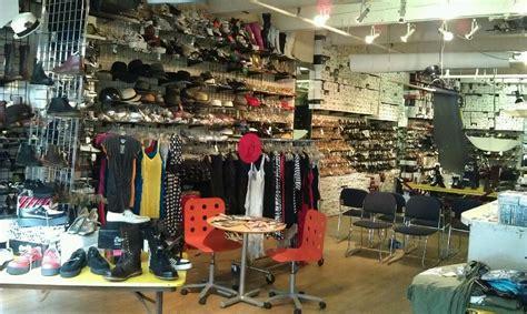 seattle sneaker stores sneaker shops in seattle 28 images foot locker closed