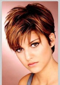 hairstyle for square face heavy short hairstyle with heavy texture back since there is